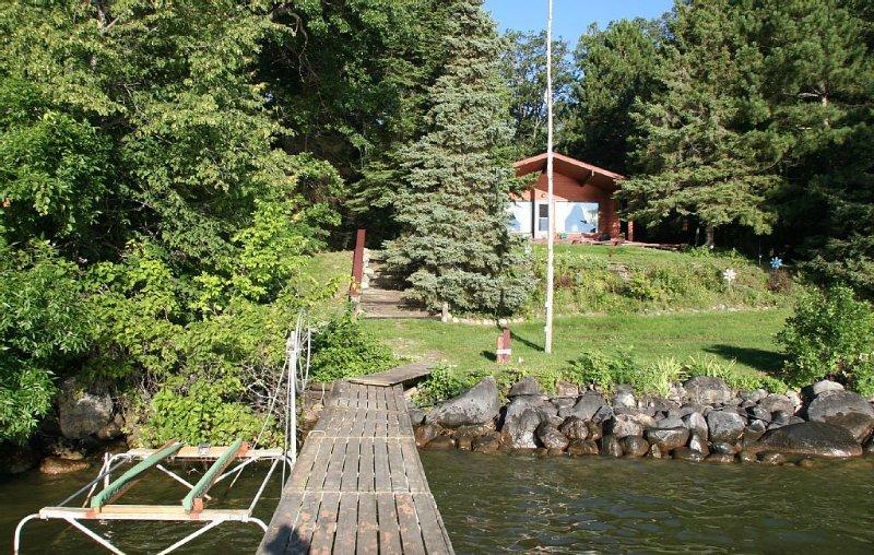 Rustic, Cozy, Lakefront Cabin On Leech Lake- Perfect For Families & Fisherfolk, location de vacances à Federal Dam