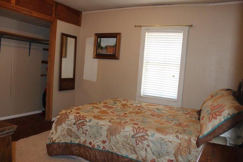Quiet Retreat In Beautiful Ramah Valley, holiday rental in Pinehill