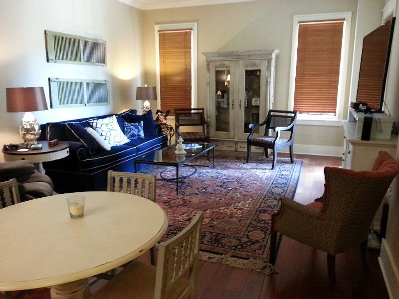 Luxury 2 BR Condo on the Square with private balcony.  Walk to Ole Miss campus!, holiday rental in University
