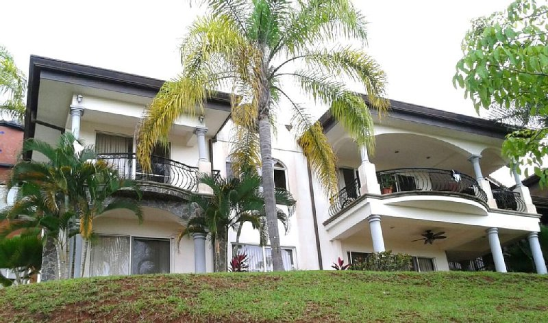 Central Pacific Coast Condo, near Manual Antonio National Park, Bejuco Beach, location de vacances à Esterillos Este