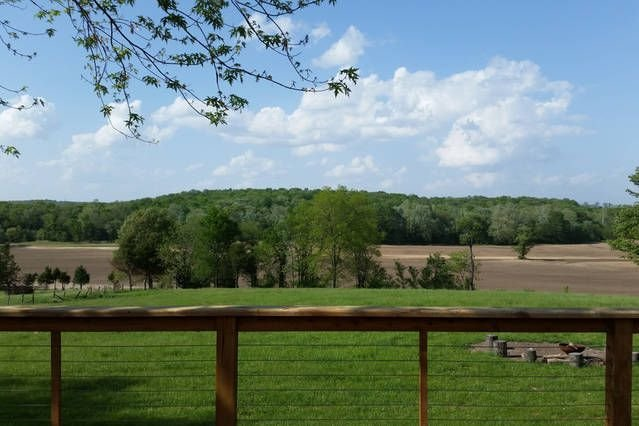 Scenic Farmhouse Getaway, vacation rental in Saint Clair