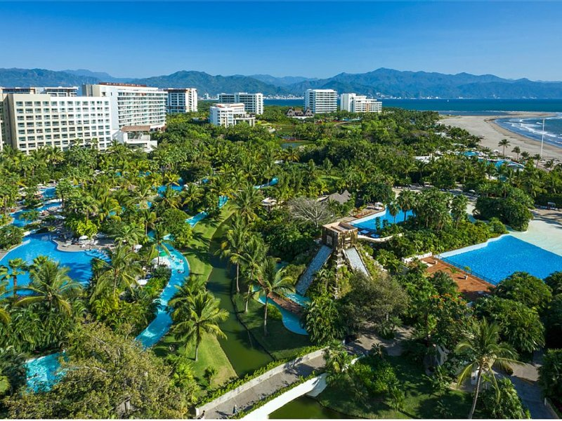 Beautiful Ocean front 1 Bdrm unit with kitchen and living room, vacation rental in Nuevo Vallarta