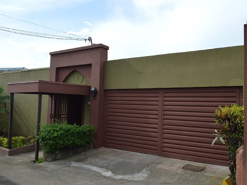 Great Place near to the main Hotels and to the airport. – semesterbostad i Province of Heredia