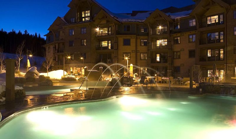SPECTACULAR!! Ski In / Out - GREAT SNOW!!, vacation rental in Breckenridge