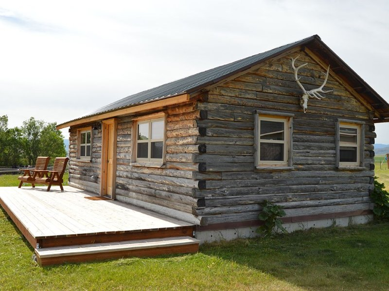 Cabin Beneath the Big Sky, holiday rental in Sheridan