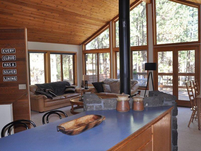 Family Cabin in Glaze Meadow, holiday rental in Black Butte Ranch