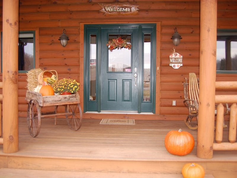 Stay in Safety | Escape to fresh air and lots of space!, holiday rental in Mount Horeb