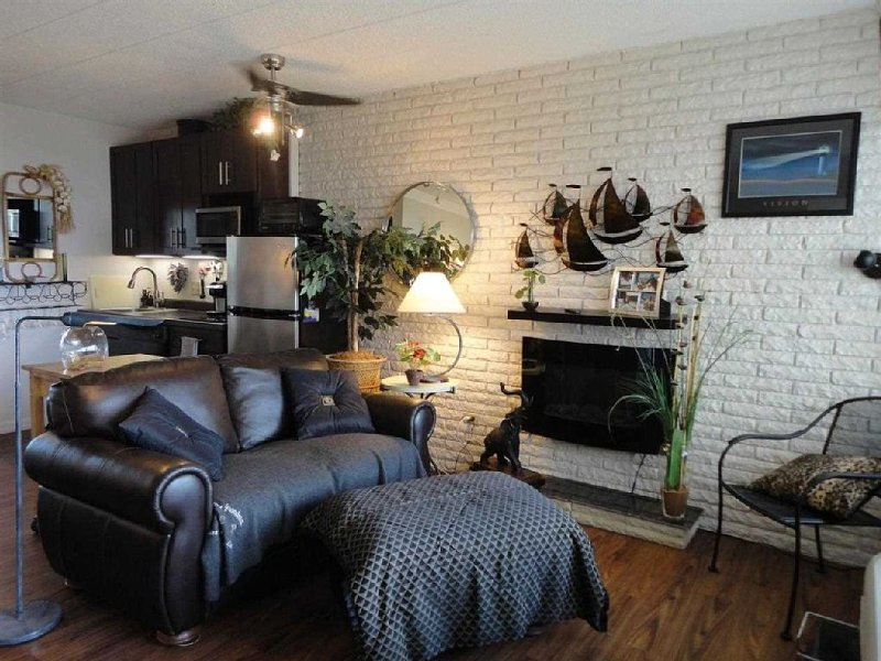 One Bed, With Kitchenette, Bathroom., vacation rental in Bay View