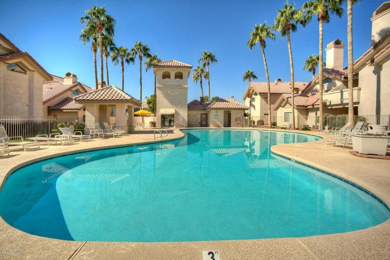 Spacious Condo In Quiet Gated Community, aluguéis de temporada em Goodyear