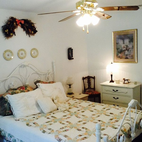 Experience the country near Canton's First Monday's Trade Days, holiday rental in Canton