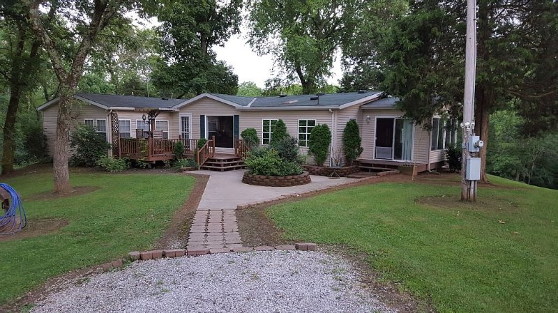 Secluded Country Home In Historic Hoosier Hills in Historic Hoosier Hills, location de vacances à Vevay