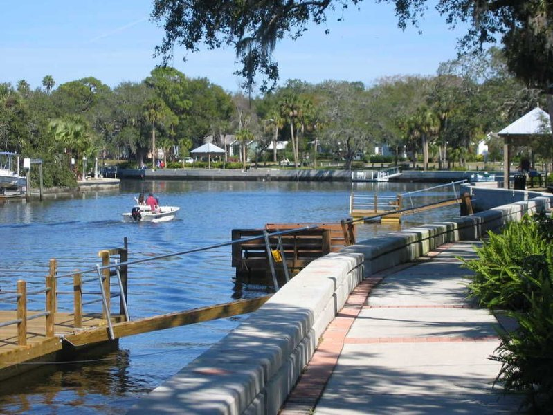 Take a walk along the river... just a 2 minute drive to the public boat ramp.