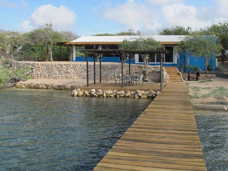 Escape to Villa Hammaka - your own private slice of paradise! – semesterbostad i Curaçao