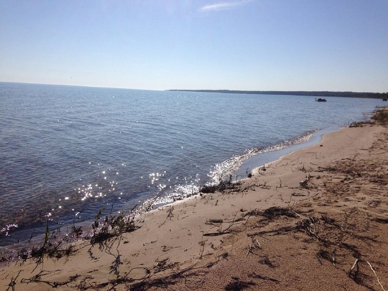 Hammond Bay Lake Huron Getaway, holiday rental in Tower