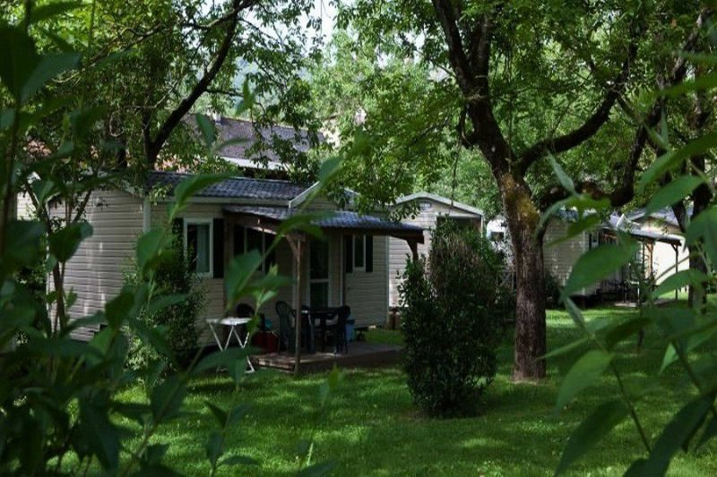 Camping Au Soleil d'Oc**** - Cottage Family 4 Pièces 6 Personnes, holiday rental in Gros-Chastang