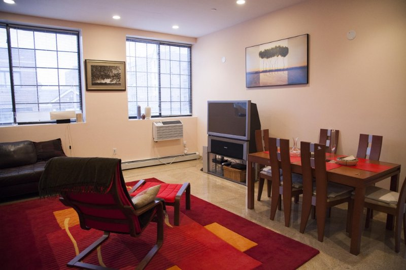 Impressive NYC Apartment, 15 Min To Manhattan, vacation rental in Queens