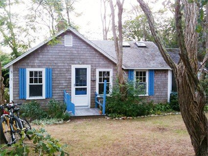 Charming & cozy Wellfleet cottage on quiet road 3/4 mile to beach., location de vacances à Wellfleet