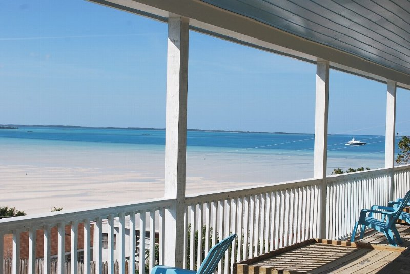 Spacious Ocean View 5 Bedroom Family or Friends Get Togethers Home, vacation rental in Dunmore Town