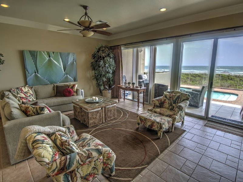 Oasis- Oceanfront, Beach Luxury with Private Pool & Beach Access, alquiler de vacaciones en Isla del Padre Sur