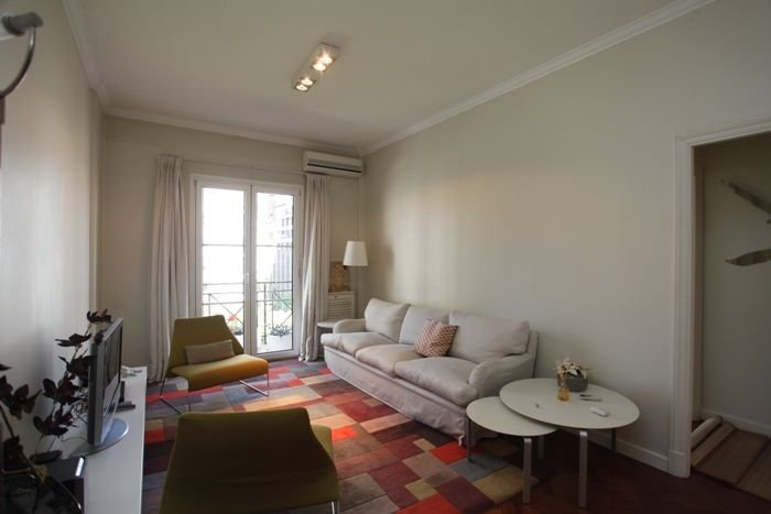 Bright And Charming French-style Apartment In Buzzing Neighborhood, alquiler de vacaciones en Buenos Aires