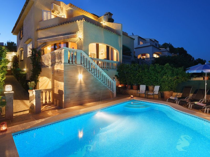 Family Holiday villa with private pool in front the sea in Alcudia, Aucanada, vacation rental in Alcudia