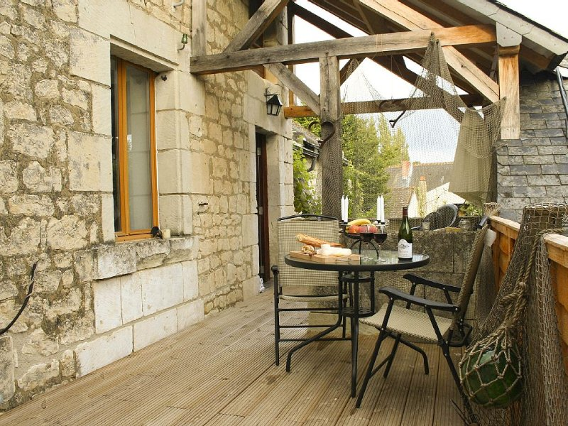 Peaceful Character Cottage in River Village, holiday rental in La Roche-Clermault