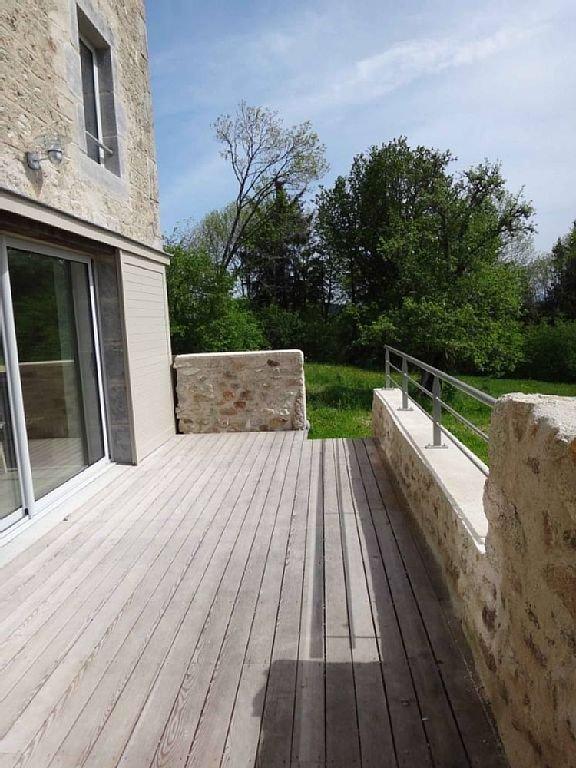 Terrasse et baie vitrée