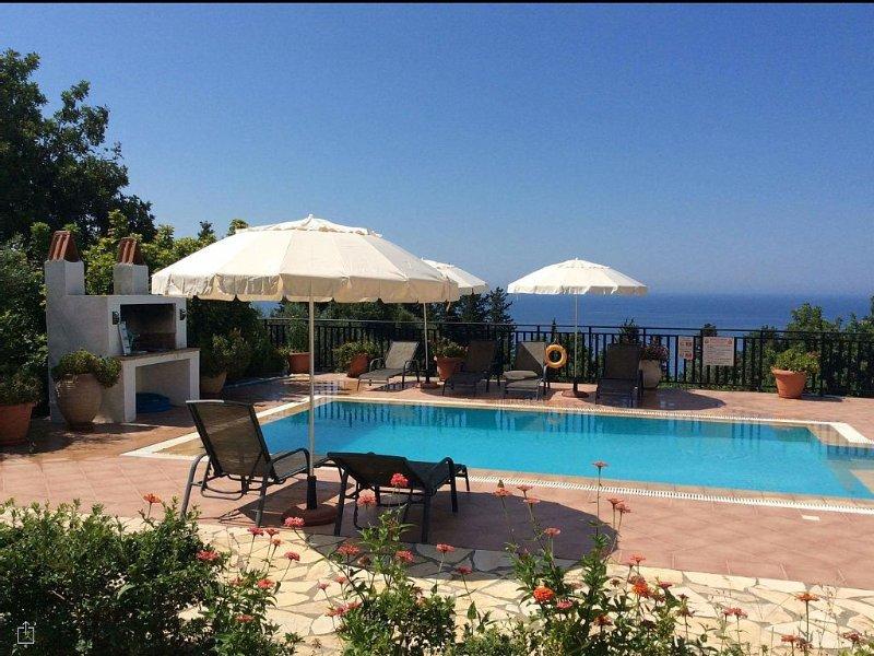 Beautiful Holiday Villa '- In Kefalonia (Lourdas)  FREE WIFI, aluguéis de temporada em Cefalônia