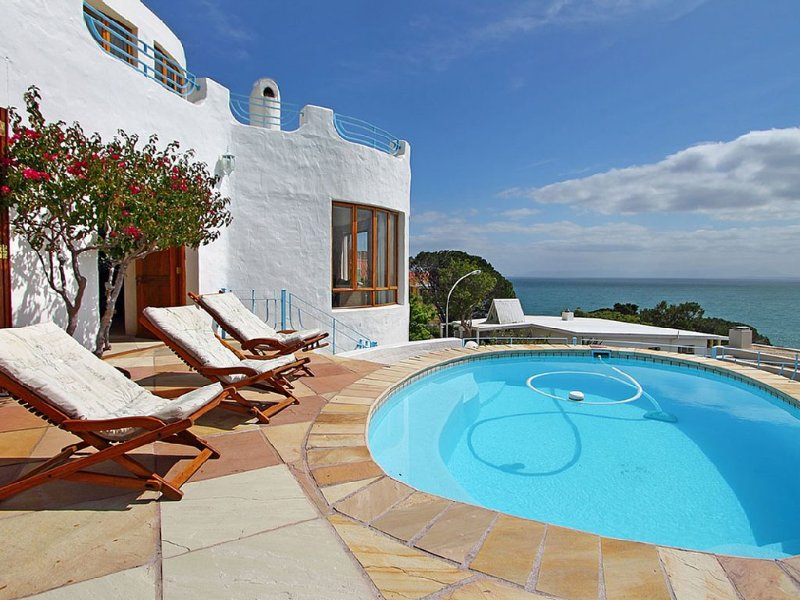 Villa in Gordons Bay with views and private pool, holiday rental in Cape Town