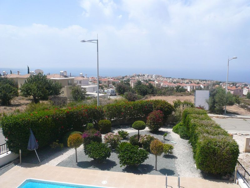 Villa with private pool and sea views, vacation rental in Peyia