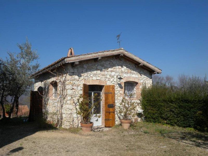 Oliveto Sabino: Casa con giardino, location de vacances à Pescorocchiano