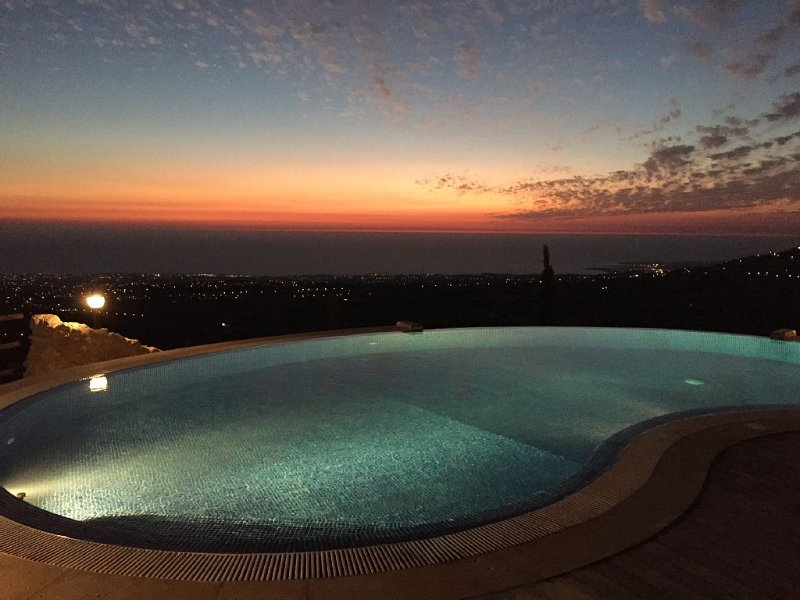 Stunning Location Spacious Private Well Maintained Villa 180 Degree Sea View, vacation rental in Paphos