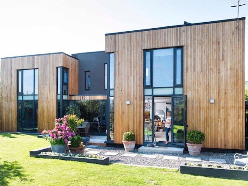 A unique modern luxury home in the heart of Croyde village, alquiler vacacional en Croyde