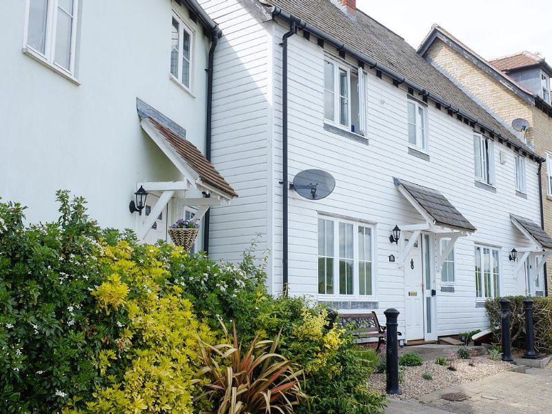 Waterfront Cottage In The Lovely Village Of Rowhedge, Near Mersea Island, alquiler vacacional en Essex