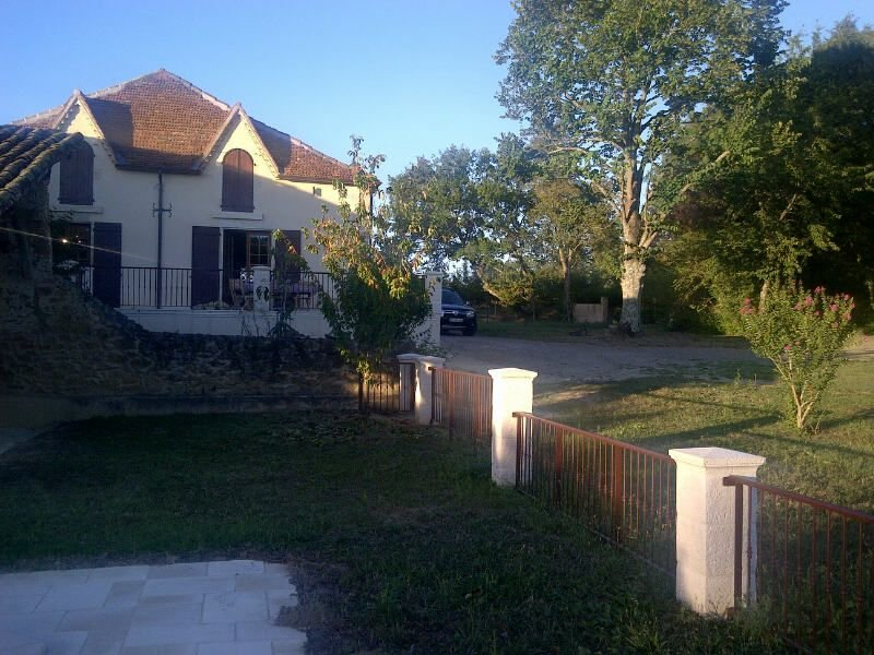 Rustic, Gascon Farmhouse in Gers with Pool, WiFi and other facilities, holiday rental in Riscle