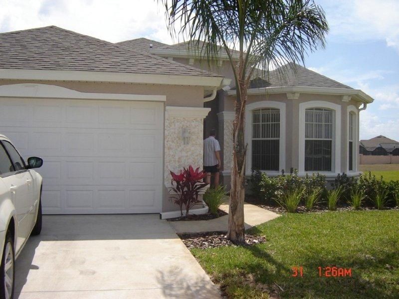 Spacious, LUXURY 4 bedroom villa with pool and spa close to Disney, vacation rental in Haines City