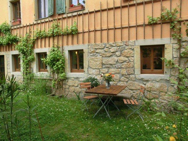 Ferienwohnung mit Charme, Entspannen mitten im Grünen im schönen Elbtal, location de vacances à Pirna