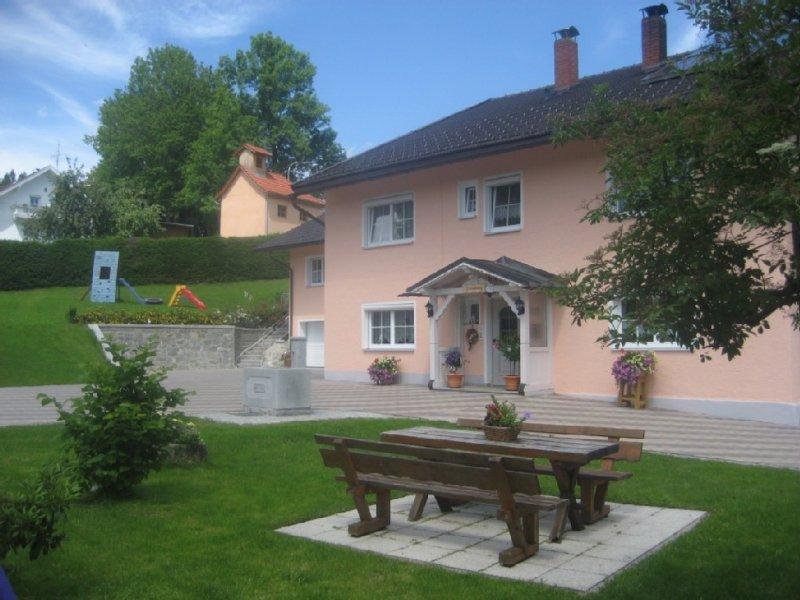 Exklusive gemütliche ruhige familienfreundliche *** - FeWo im  Bayerischen Wald, holiday rental in Susice