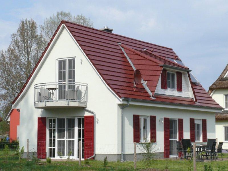 Familienfreundliches Ferienhaus - gerne auch für den Urlaub mit Hund., vacation rental in Lohme