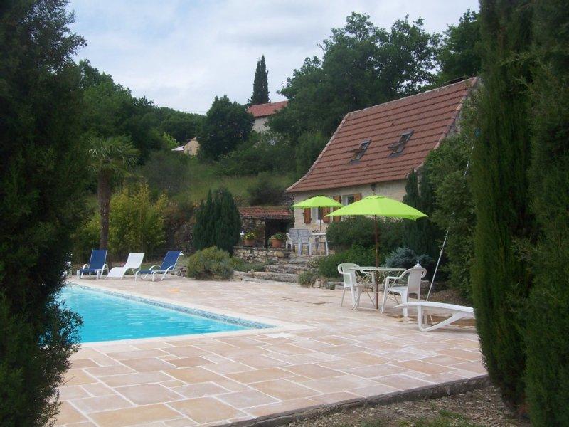MAISON ST MEDARD TYPIQUE DU LOT AVEC PISCINE ENTIÈREMENT PRIVÉE, holiday rental in Nuzejouls