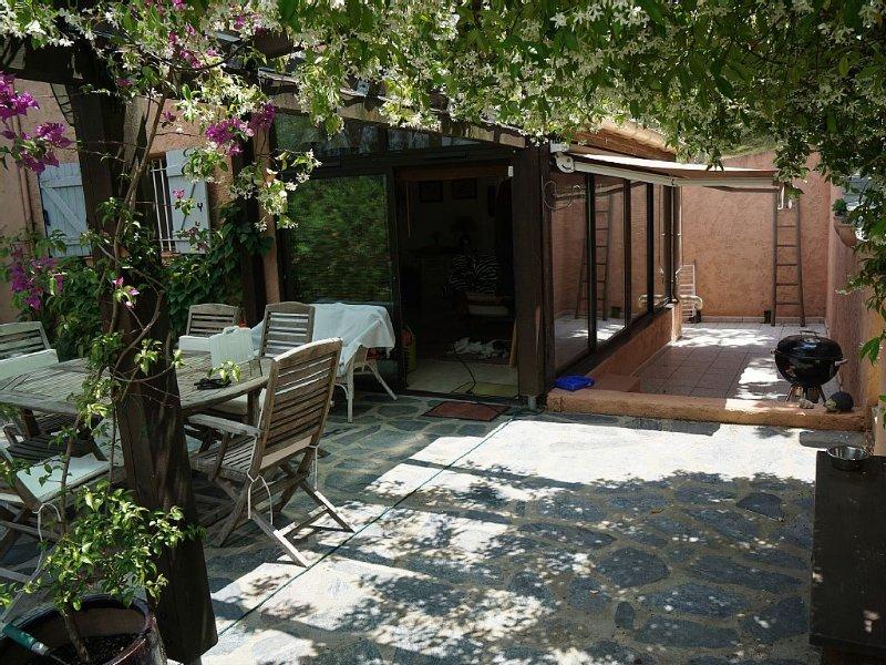 Maison du maquis, à 5minutes des longues plages de sable de la Côte orientale, holiday rental in Canale-di-Verde
