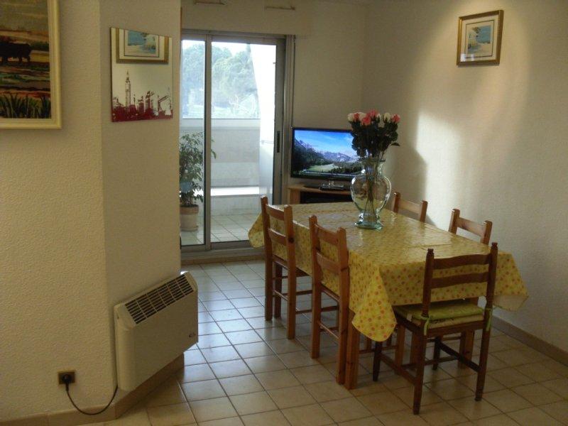 Bel Appartement tout confort à 5mn de la plag - La grande motte, location de vacances à La Grande Motte