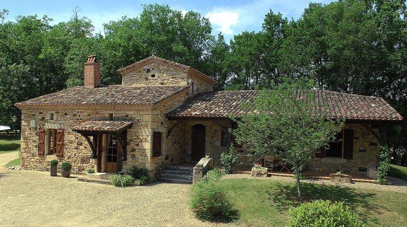 Aux portes du Périgord, magnifique maison en pierre, calme et reposante., alquiler de vacaciones en Lot-et-Garonne