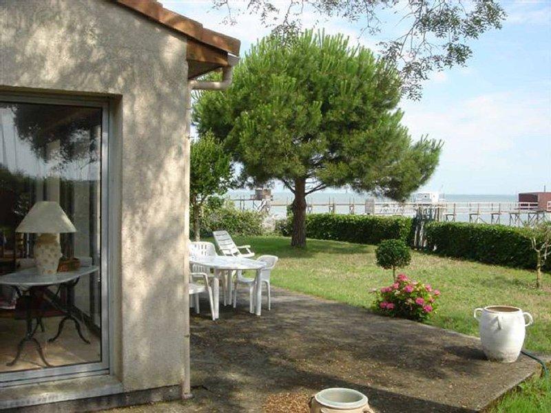 Belle VILLA 100m2 avec vue et accès direct à la mer,3ch,sdb,séj, dans  parc clos, location de vacances à Fouras