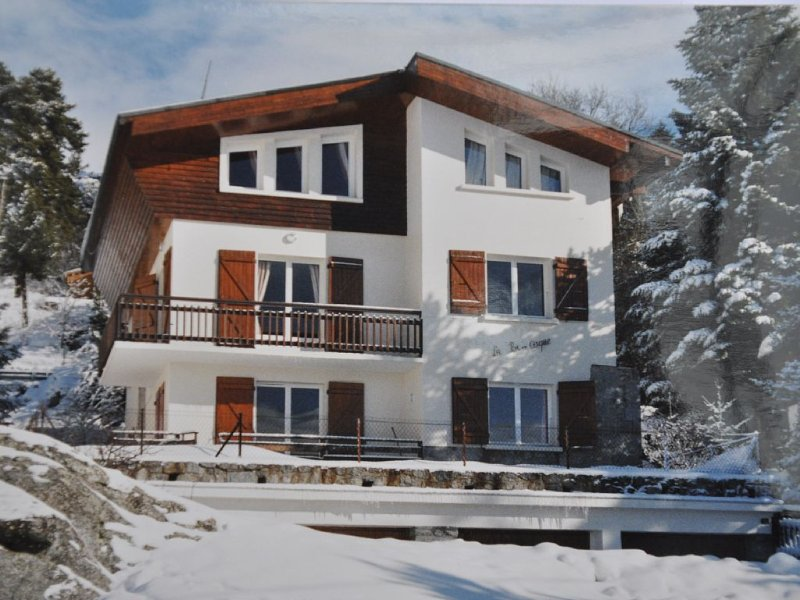 Chalet à Font-Romeu, altitude 1800m, vue imprenable, confortable, pour 6 personn, location de vacances à Font-Romeu-Odeillo-Via