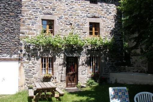 Maison entièrement rénovée tout confort à 1km de la forêt, très belle région, location de vacances à Couteuges