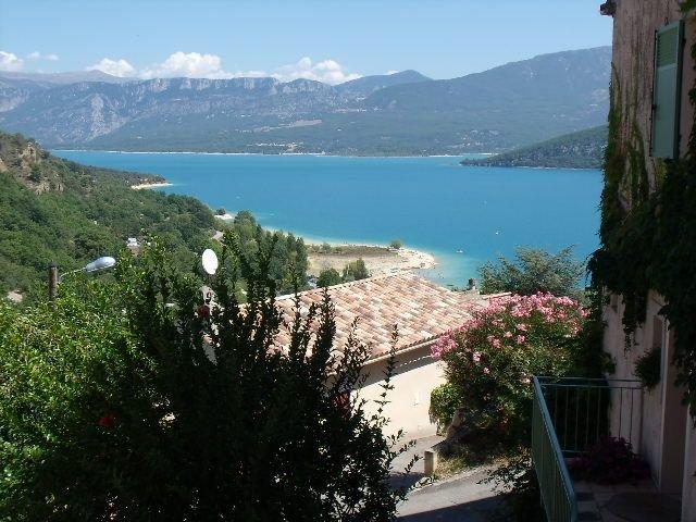 Maison de village Bord de lac, holiday rental in Digne-les-Bains