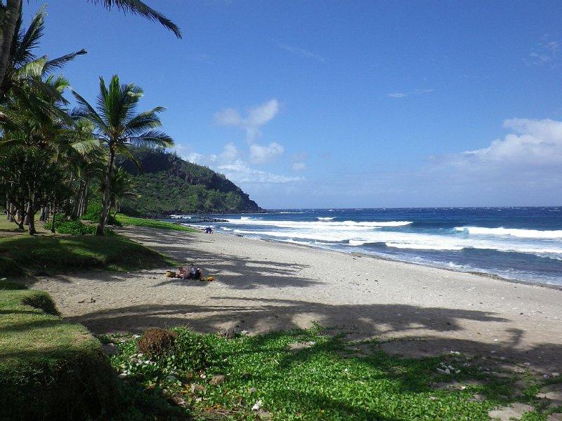 A un quart d'heure, la plage de Grande Anse vous attend.