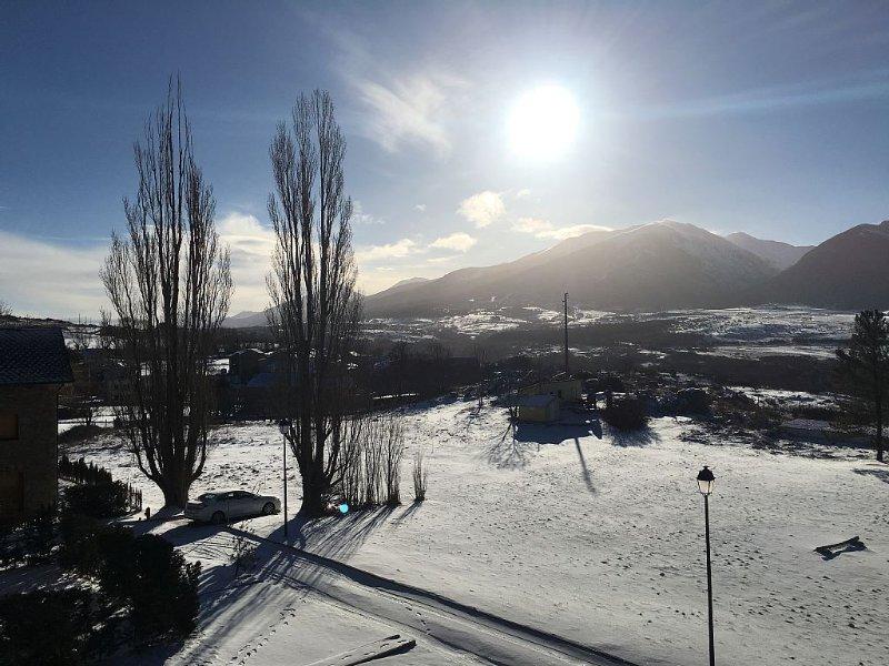 Appartement, 6-8 personnes, vue dégagée sur les montagnes, proche station de ski, location de vacances à Angoustrine