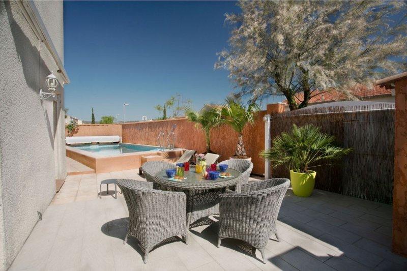 Ma villa du Sud avec piscine privée : Un Parfum de mer et de Garrigue, location de vacances à Frontignan